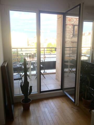 Bel appartement avec balcon pour séjour parisien