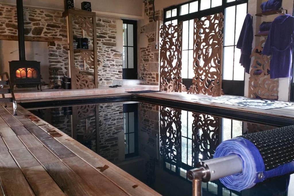la piscine 6m*3m,  28°, claustra, en hiver