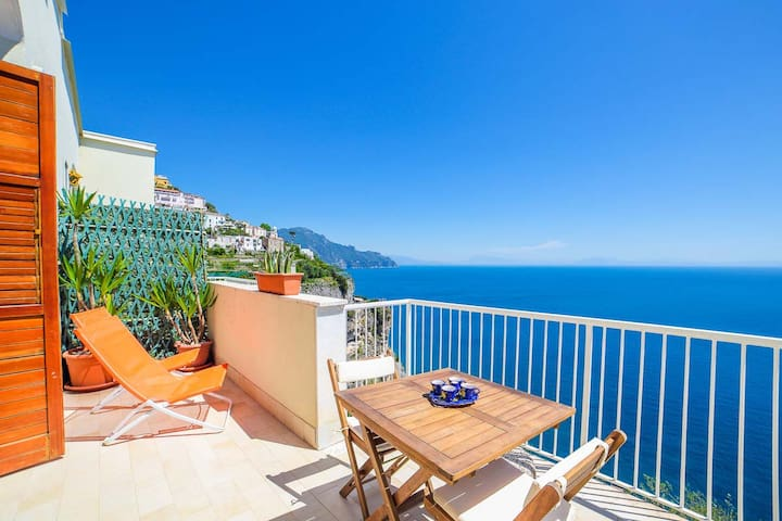 Romantic Amalfi: sea view, wifi, AC, nearby pool - アマルフィ - アパート
