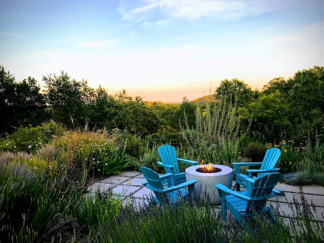 Private Dry Creek Family Retreat w/ Amazing Views