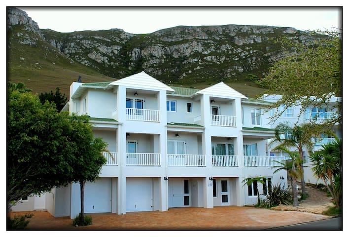nGael House - Spacious luxury