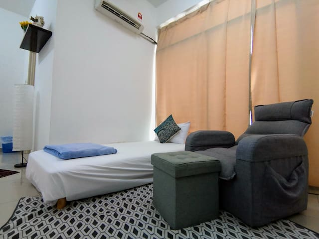 Room 17 attached with Bathroom (Homestay)