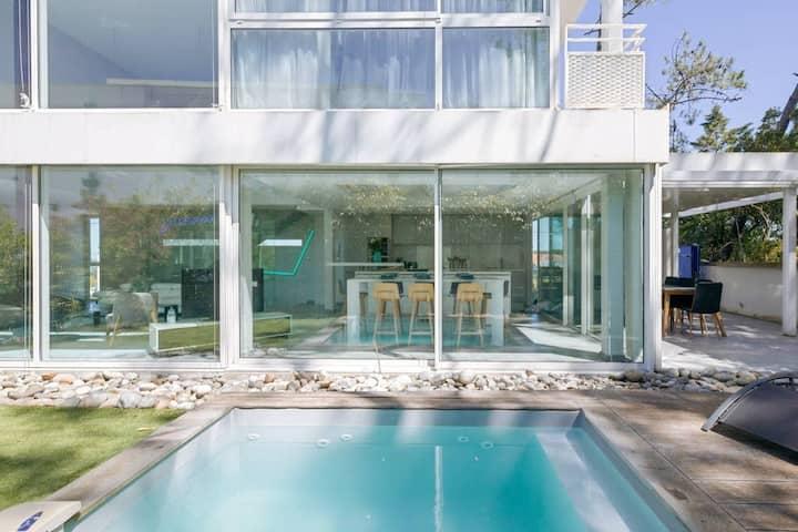 Villa Cube, contemporaine, vue sur mer et plage à pied