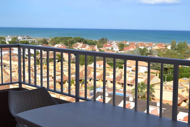 Apartment with beautiful sea views and WIFI