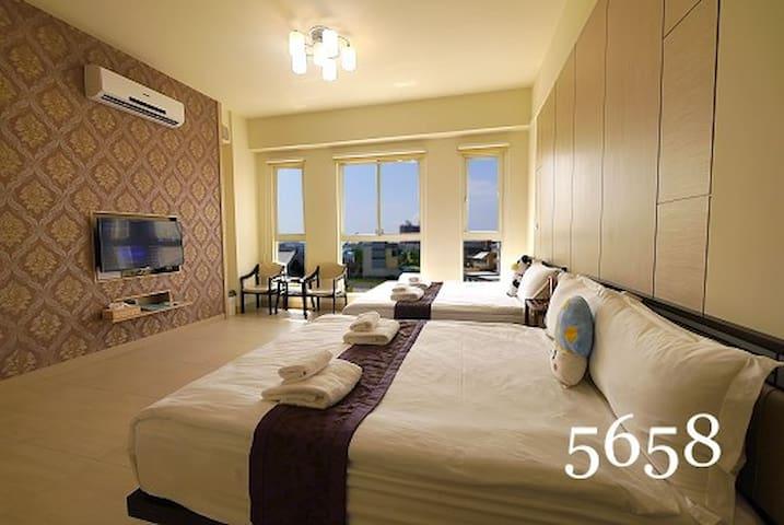 東港藍天白雲的度假勝地,阿瑪斐旅宿(溫馨四人房) - 東港鎮 - Bed & Breakfast