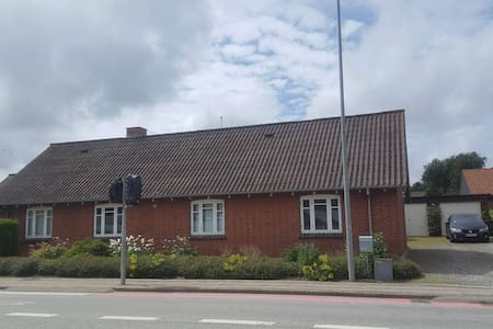 Nice and cosy old house in Struer near Limfjorden - Struer - House
