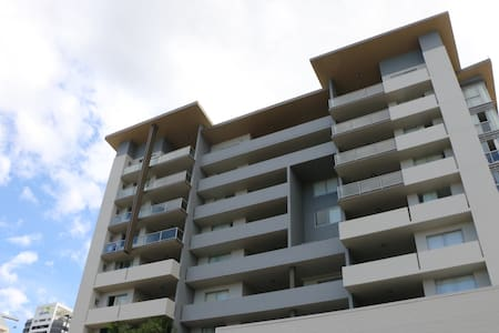 Ground floor two bedroom apt with seperate entry - Spring Hill