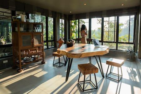 Wildlife Sanctuary Views, Yoga room, FULL Kitchen