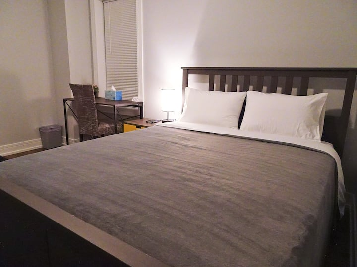 3D0/3C2 Deluxe Comfy Queen Bedroom Near Chicago