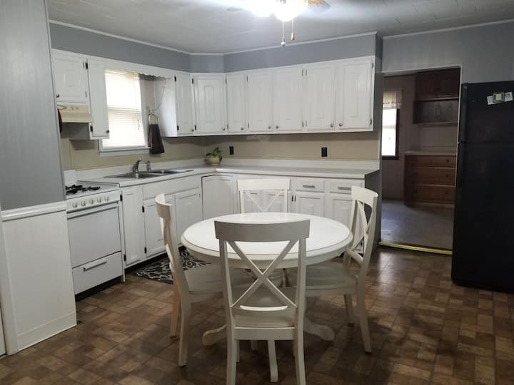 Comfortable 3bed/1.5bath house