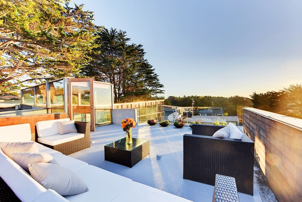 Delightful ocean views from the 400 square-foot rooftop deck.
