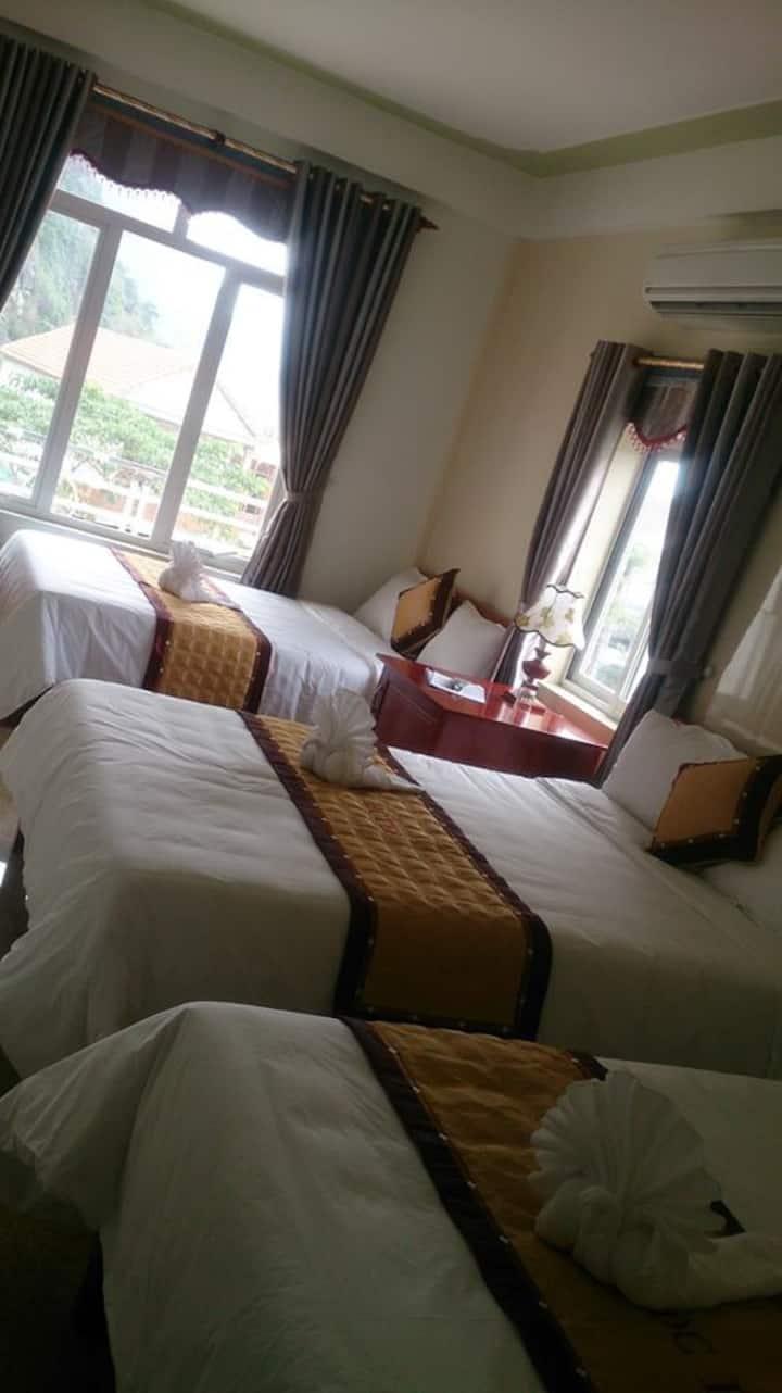 Paradise Hotel Phong Nha