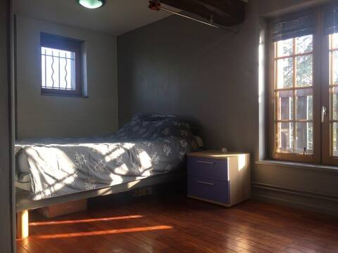 Chambre spacieuse à 2 min de Saint-Amand-les-Eaux