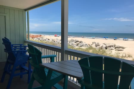 ✯ Steps from the Beach ✯ Family Friendly Location