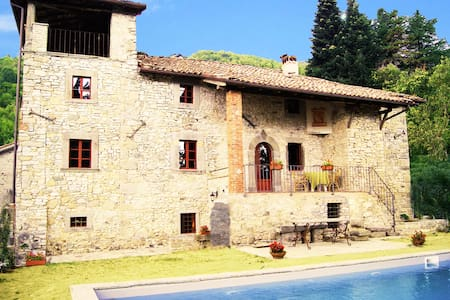 Charming Villa in the old town - Dalli Sopra