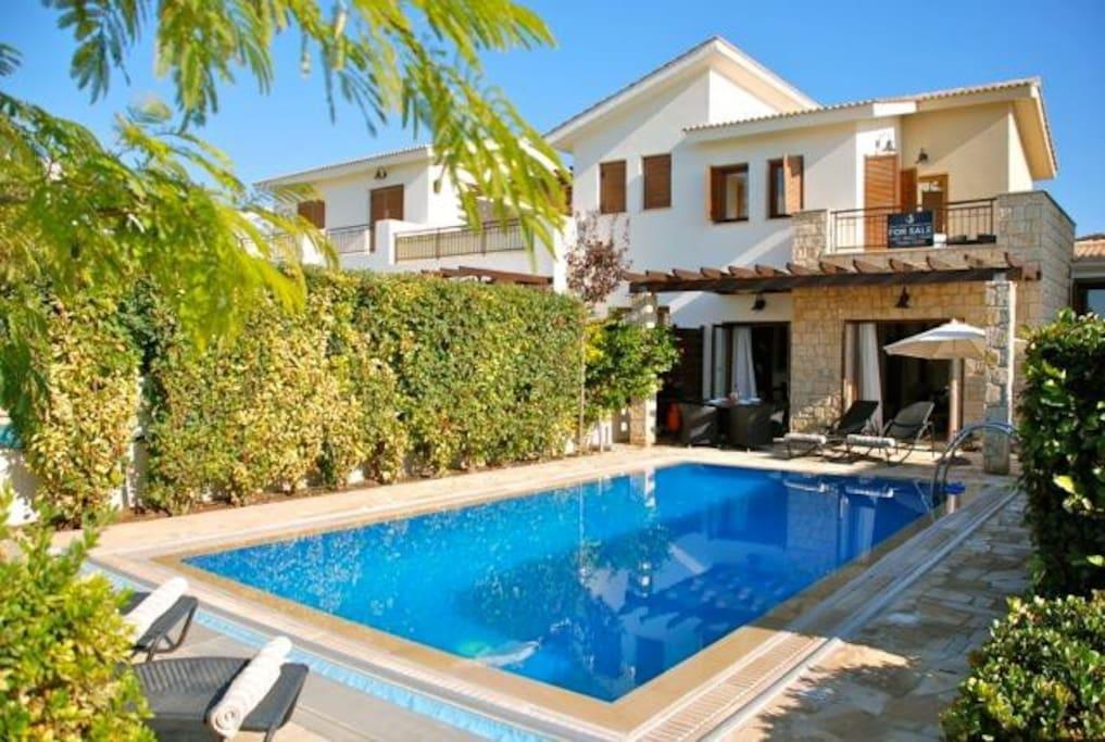 Villas Kouklia Cyprus