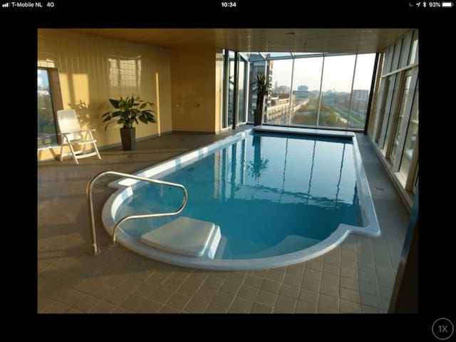 Appartement in Zwolle with use of pool and sauna