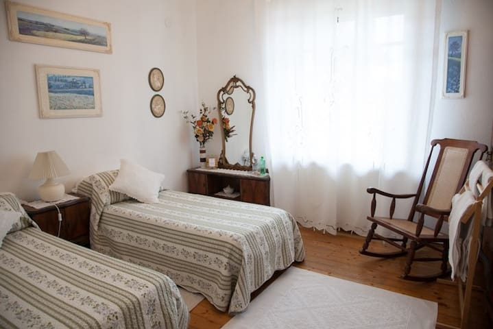 Experience the Serenity of Udine - Udine - Appartement