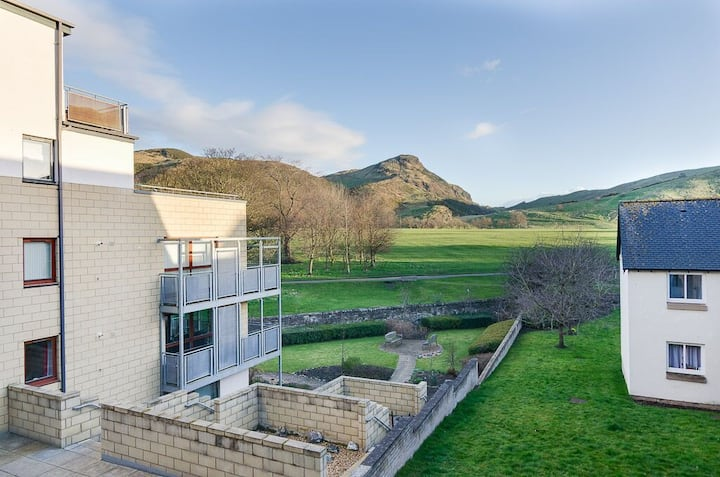 Fantastic View - 1 bedroom  double rooms available