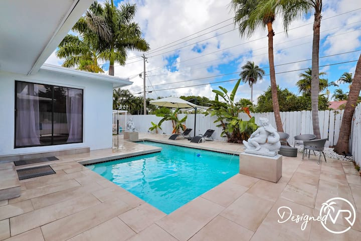 Heated Private Pool 4BR Modern home