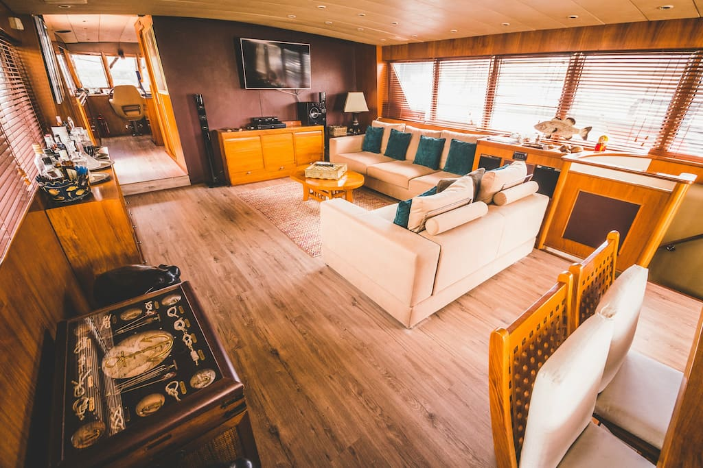 The Beautifully Furnished Living Cabin