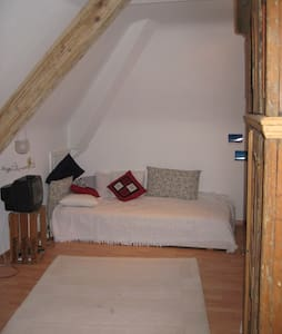 Dachwohnung mit Busverbindung nach Basel - Grenzach-Wyhlen - Appartamento
