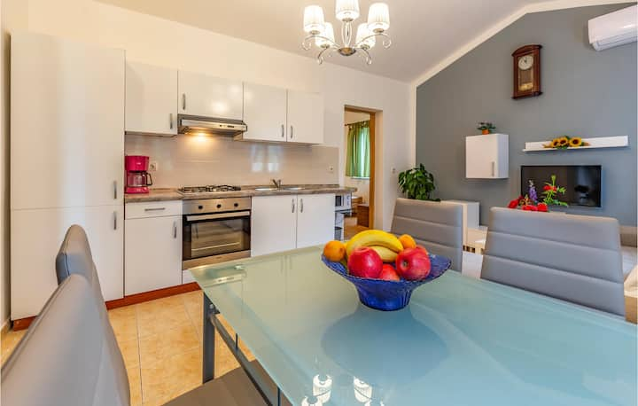 Amazing home in Medulin with WiFi and 1 Bedrooms