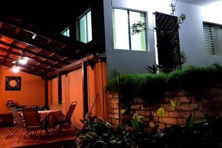 Apartamento pequeño confortable en Santa Elena 1