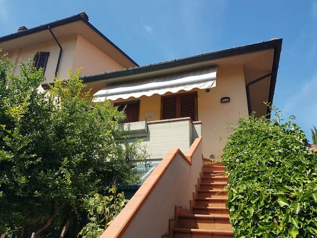 Accogliente appartamento vicino FI - San Donnino - Wohnung