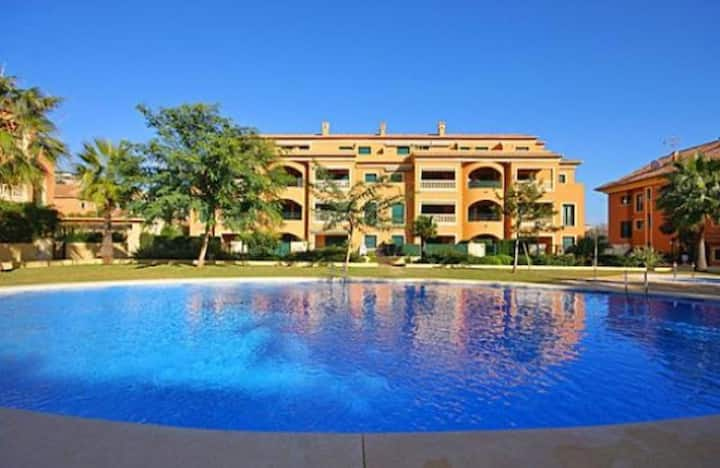 Immaculate 1- Bed Apartment in Xàbia