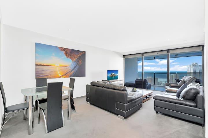 Circle on Cavill - 1 Bedroom + Study Ocean Views