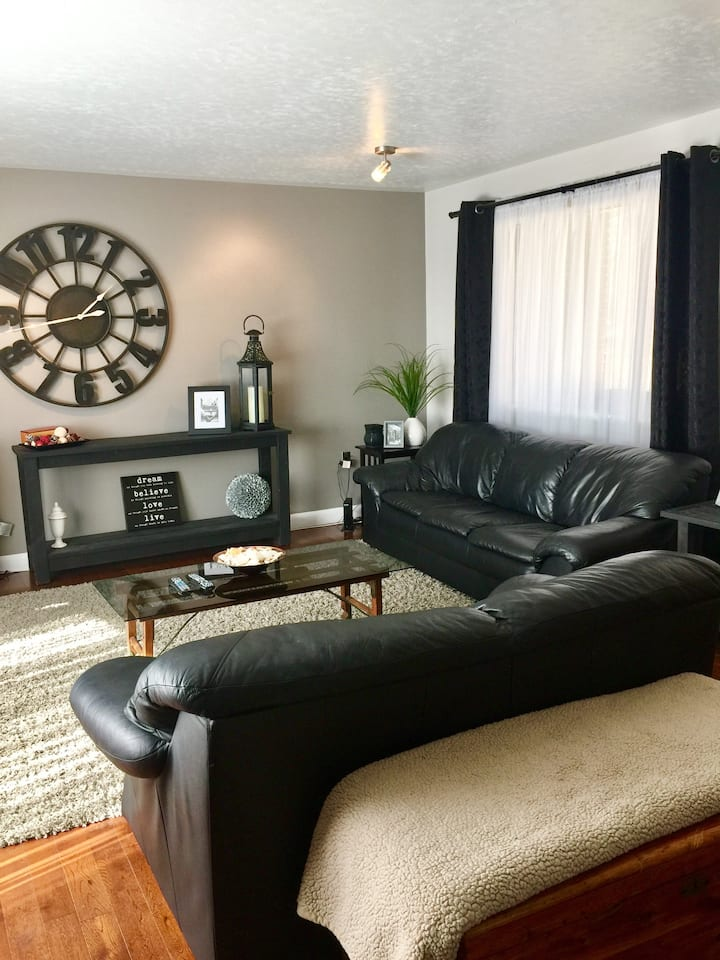 Pet friendly home away from home . Monthly rental