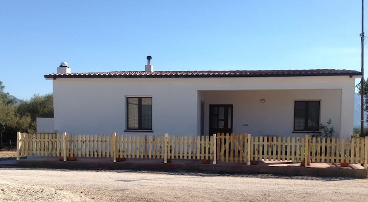 Casa Campare,large cottage in the country