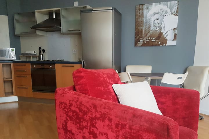 2 bed apartment Central Sheffield. Sleeps 6