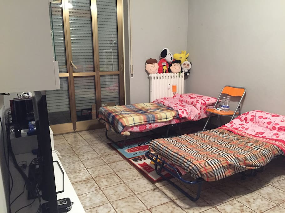 Sala abitabile dove dormite. Per 2 persone. Living room where you are going to sleep. For 2 people.