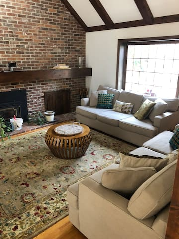 Beautiful home on wooded lot! Close to campus!