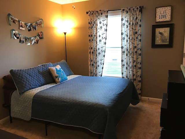 Comfortable, cozy, and clean! - Mishawaka
