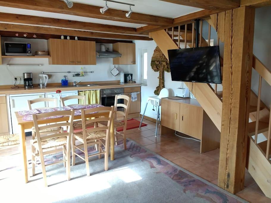 Wohnküche voll eingerichtet