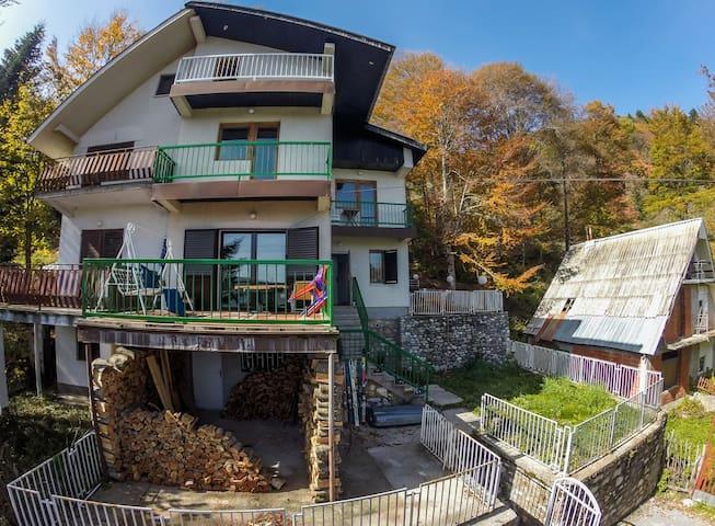 Ski Hut Gorica -Dorm - Mavrovi Anovi - Hostel