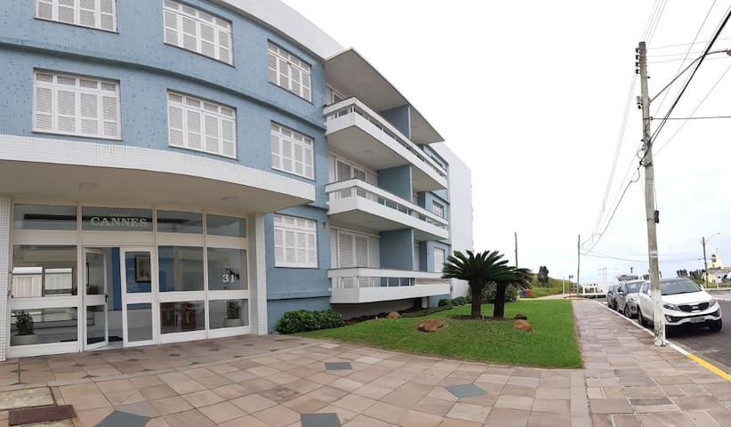 Atlântida 210. Building facing the sea