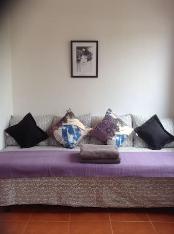 Large,family room splendid views. - Guatiza