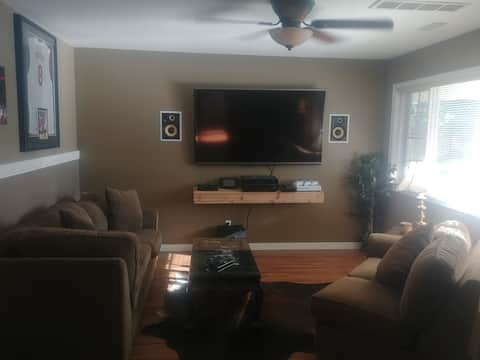 "1000sf b/suite close to hwy w/Hot Tub & 70"" TV"