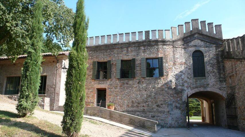 The apartment is located in a 16th century building