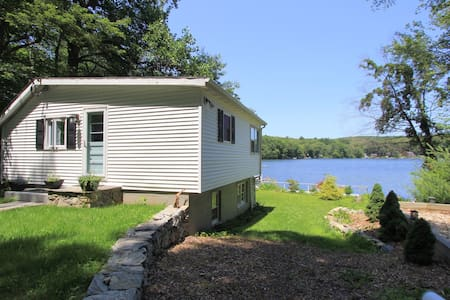 Charming lake House 1 hour from NYC - Putnam Valley