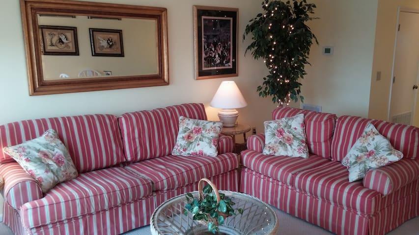 A Great Beach Vacation Value for Couples & Famlies - Ocean Isle Beach - Apartament