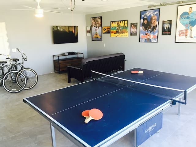 Palm Desert Beauty w/GameRoom