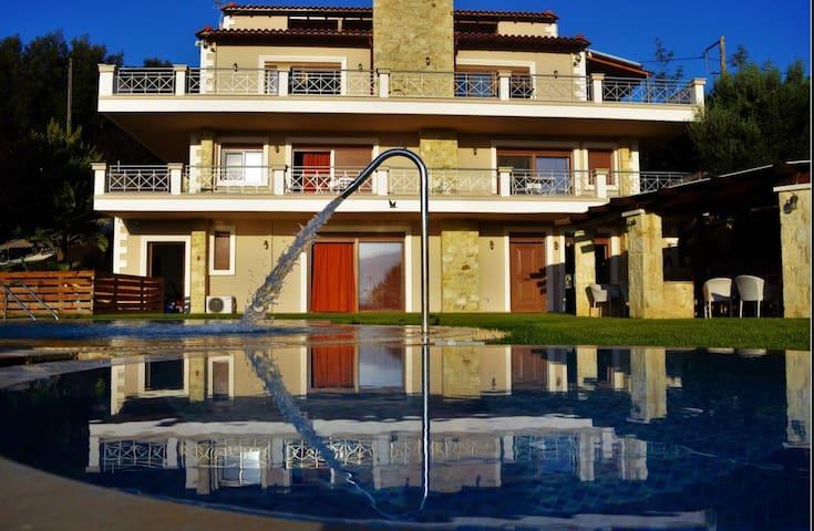 Villa Zeus - Kaloniktis