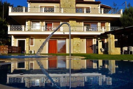 Villa Zeus - Kaloniktis - Villa