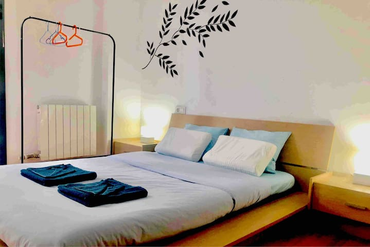 Comfortable Double room with pvt bathroom+jacuzzi