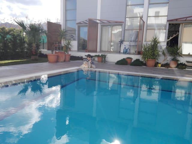 Солнечные апартаменты возле моря - Girne - Condominium